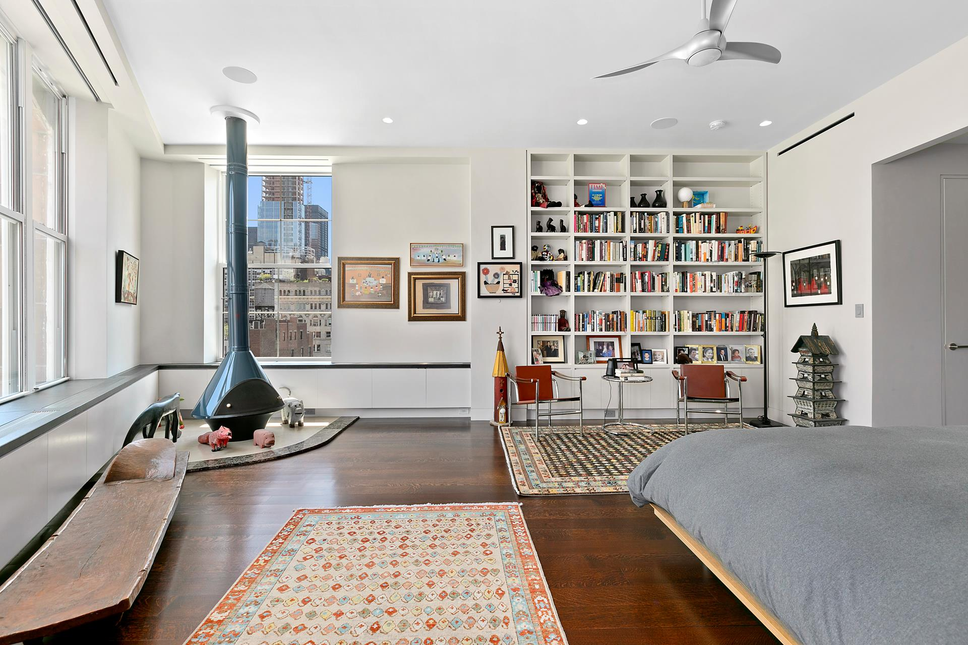 166 Duane Street Interior Photo