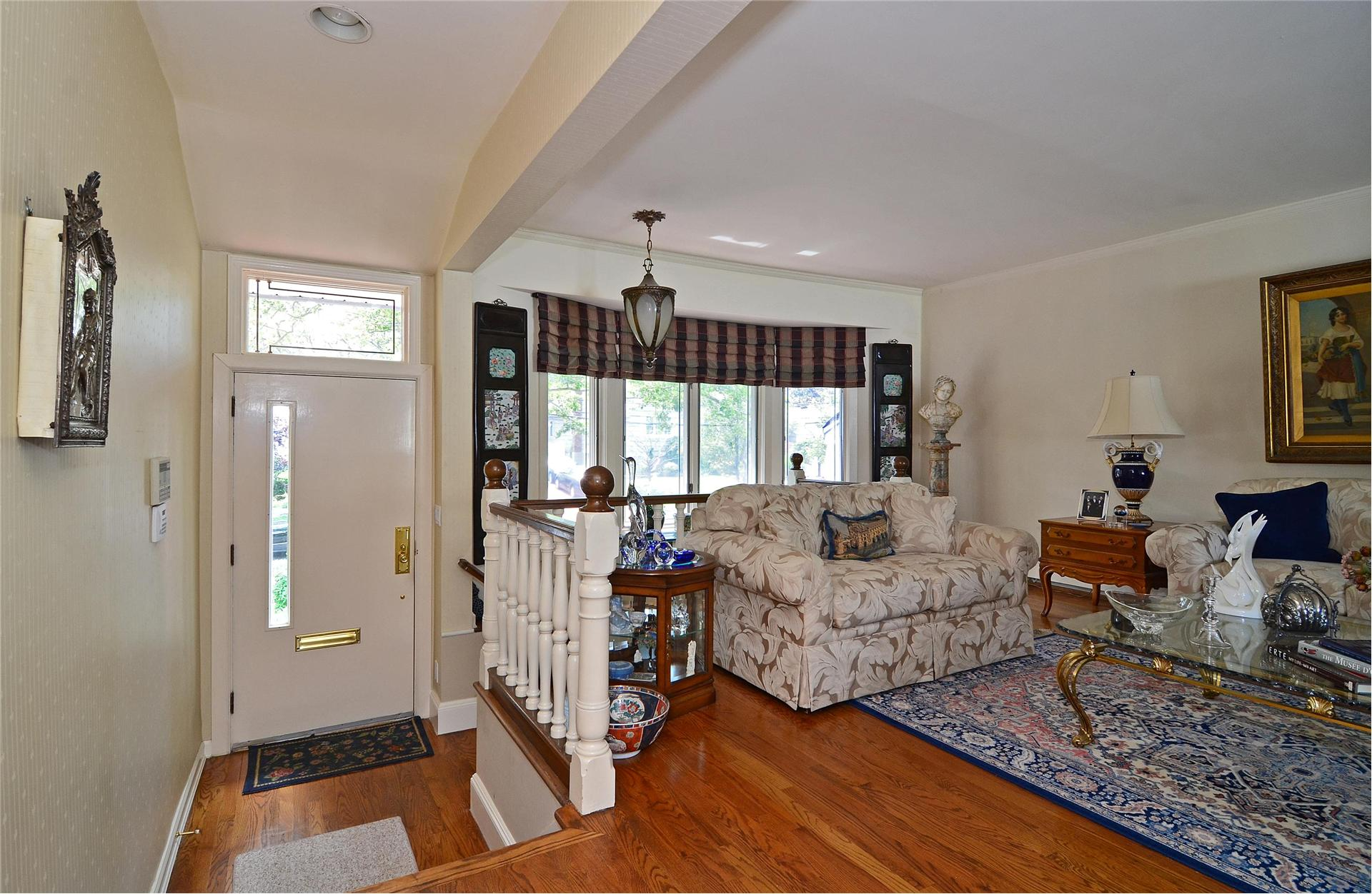 Single Family for Sale at 23 Rose Ln East Rockaway, New York 11518 United States
