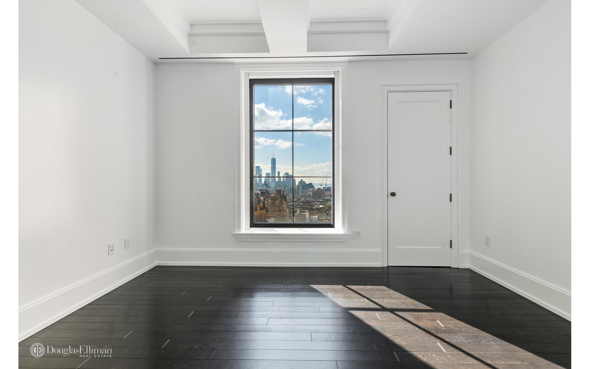 212 West 18th Street Interior Photo