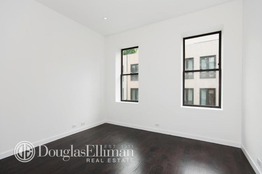 27 Downing Street Greenwich Village New York NY 10014
