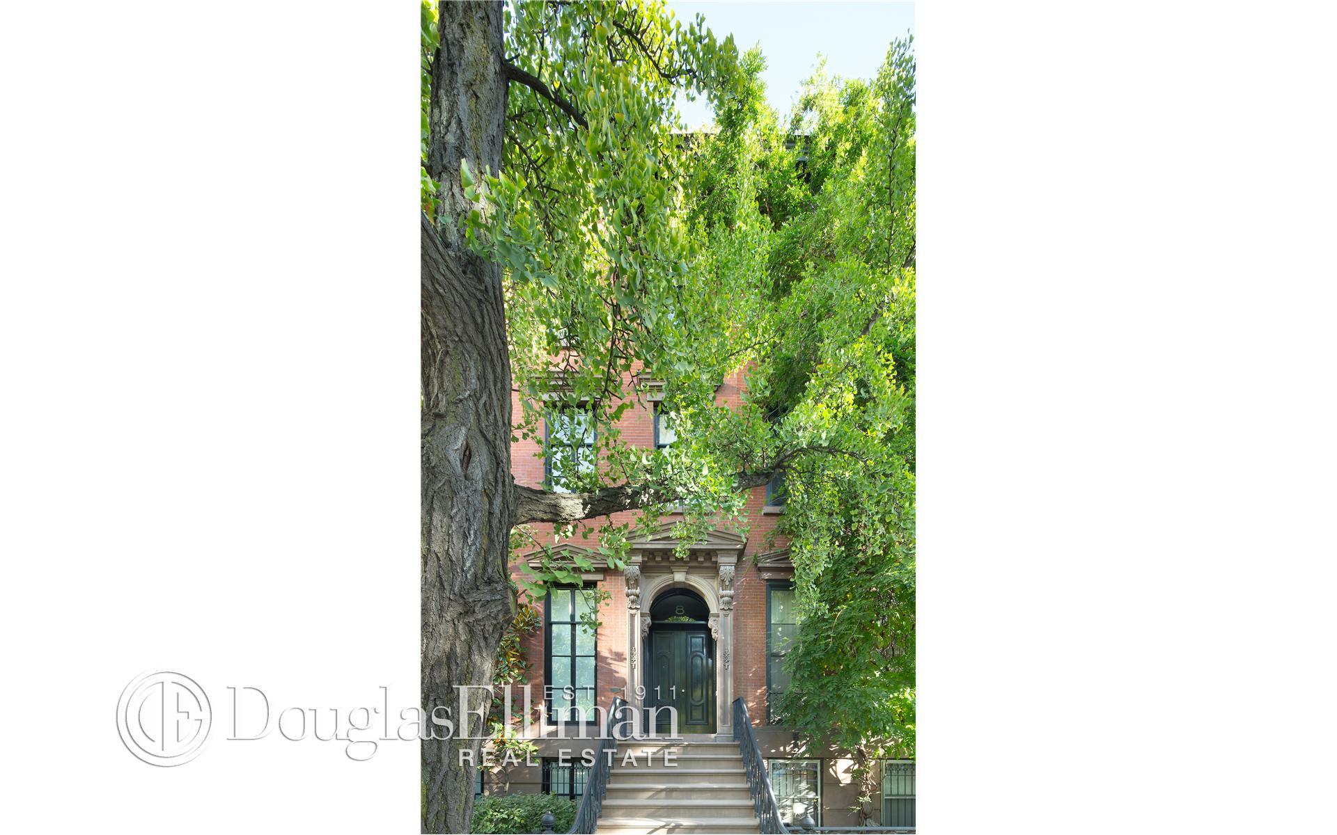 Single Family for Sale at 8 St Lukes Pl New York, New York 10003 United States