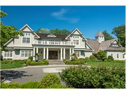 Single Family for Sale at 15 Sterling Ln Sands Point, New York 11050 United States