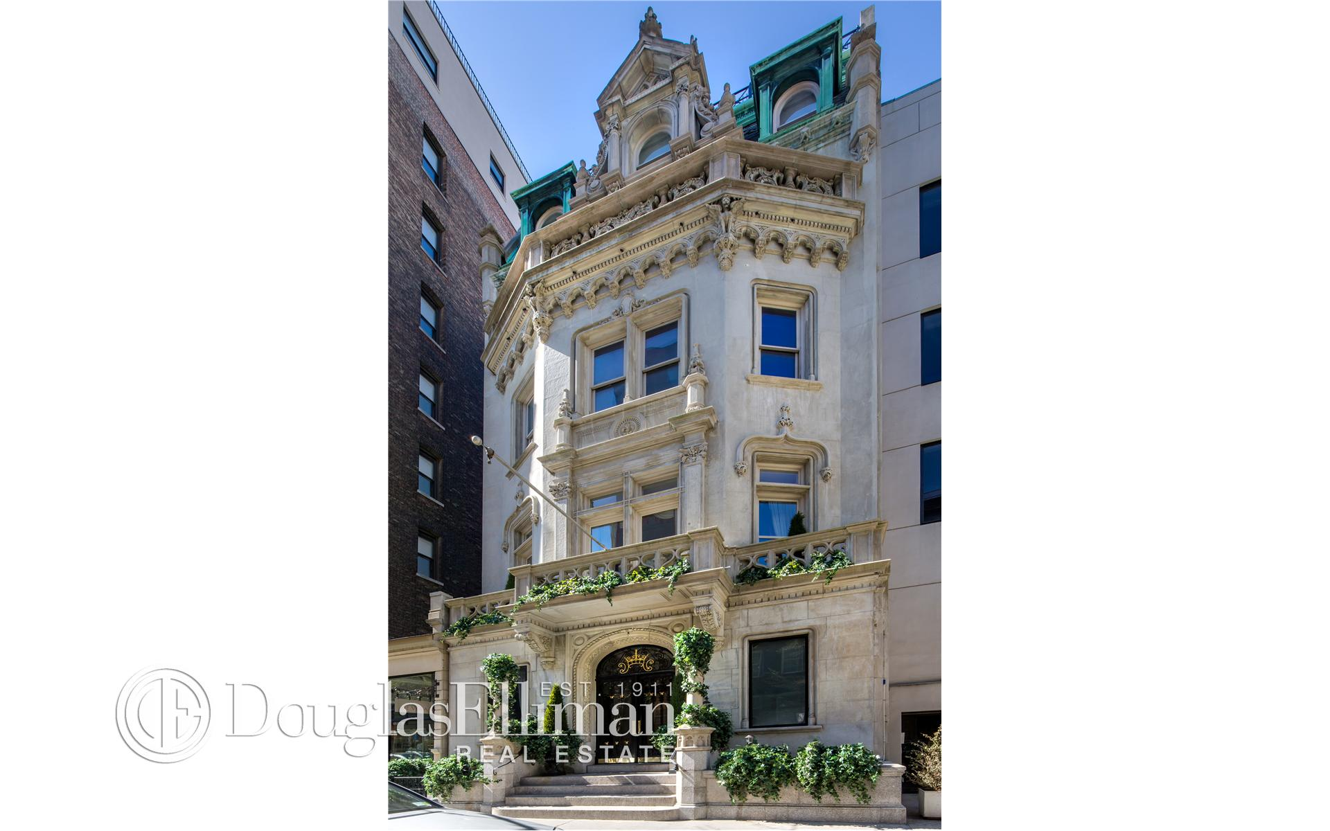 Multi Family for Sale at 24 East 81st Street New York, New York 10028 United States