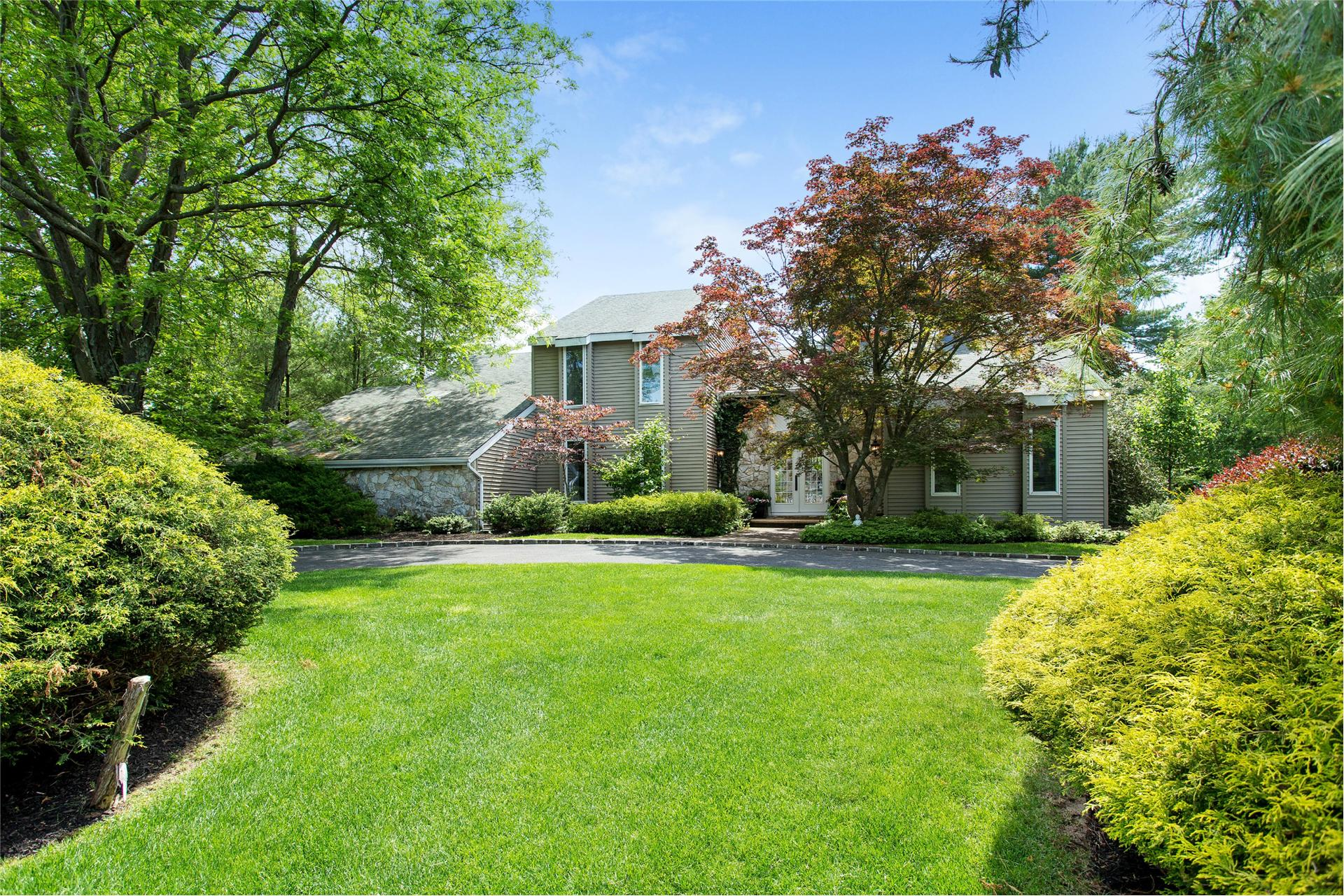 Single Family for Sale at 18 Fairway Dr Port Jefferson, New York 11777 United States