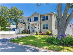 Single Family for Sale at 3936 John Ln Seaford, New York 11783 United States