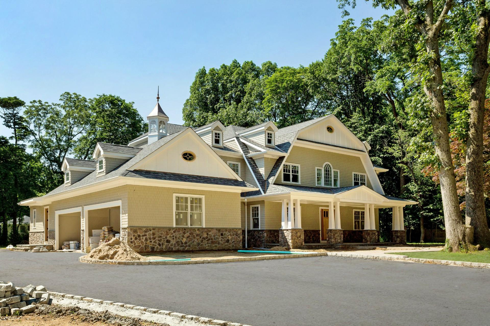 Single Family for Sale at 5 Laurel Ln Sands Point, New York 11050 United States