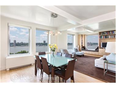 Co-op for Sale at 118 Riverside Drive New York, New York 10024 United States