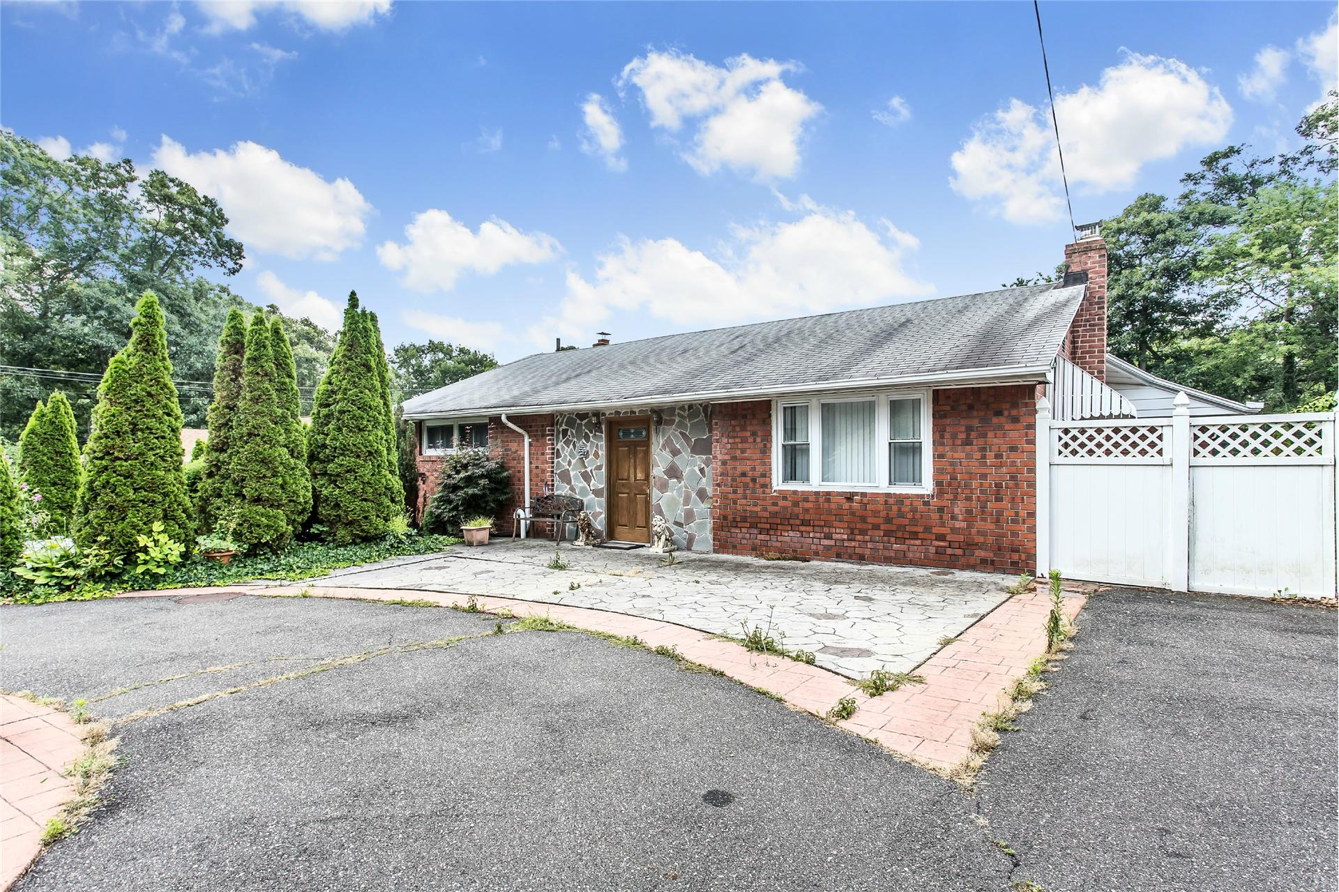 Single Family for Sale at 66 Luyster St Huntington Station, New York 11746 United States