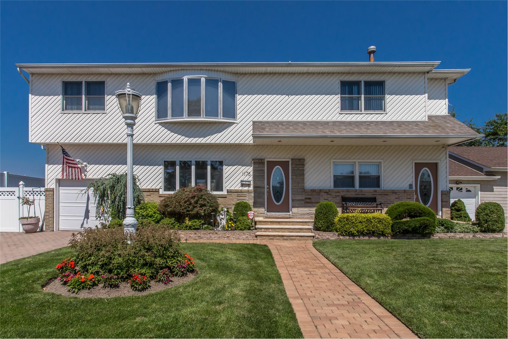 Single Family for Sale at 1176 Palermo Ct Franklin Square, New York 11010 United States