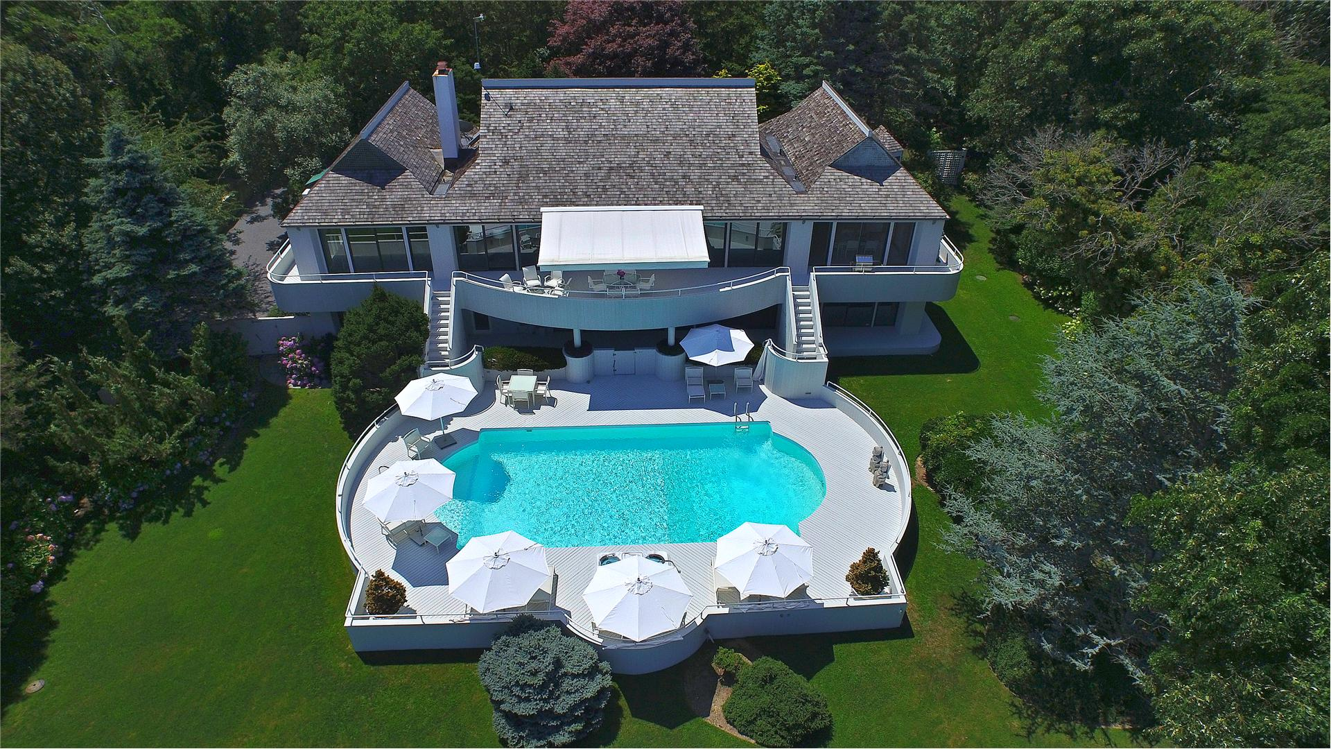 Single Family for Sale at East Hampton 28 Hedges Banks Drive East Hampton, New York 11937 United States