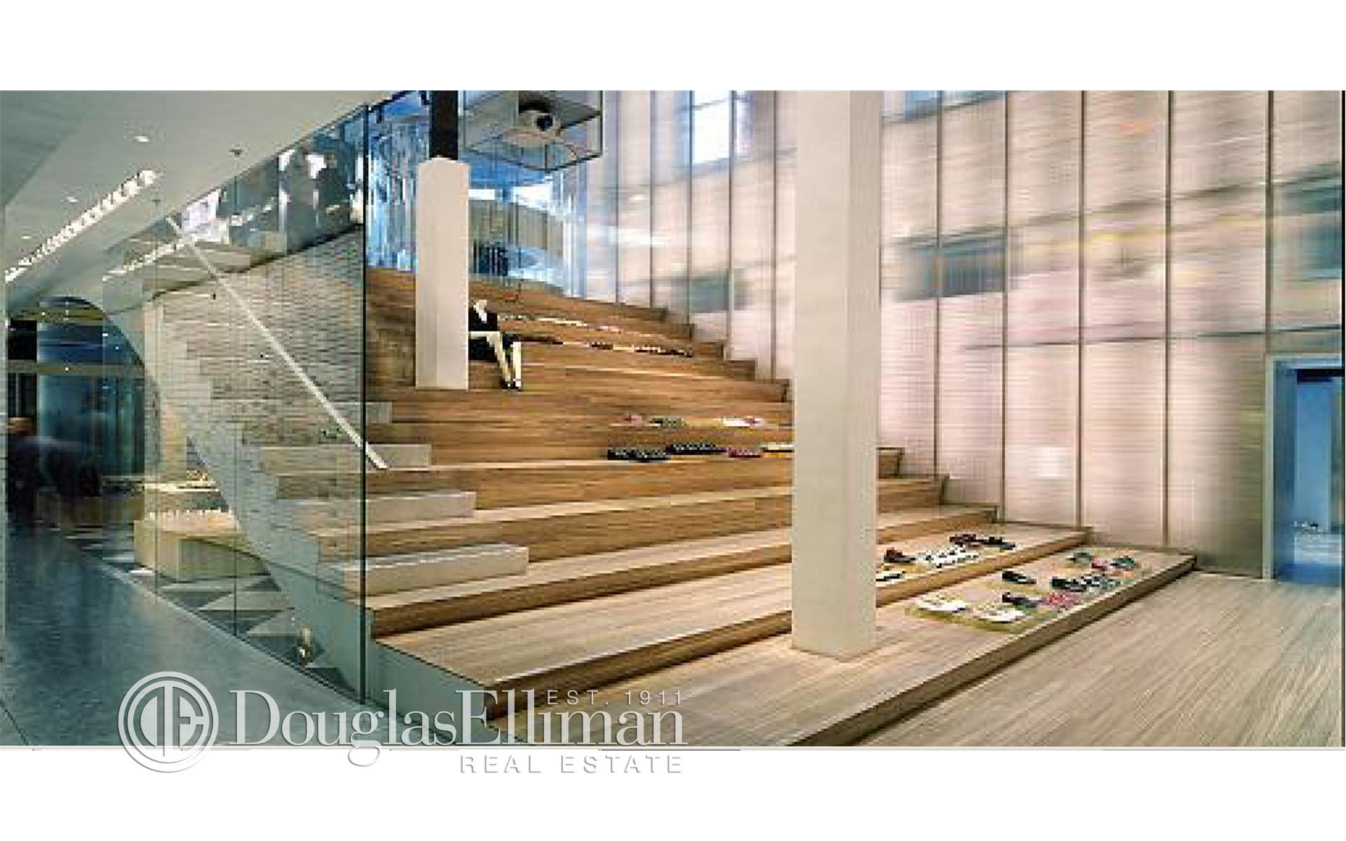 Single Family for Sale at Park Avenue 517 Park Avenue New York, New York 10022 United States