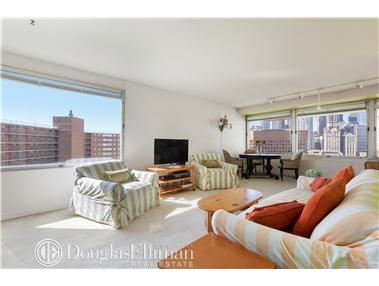 Co-op for Sale at The Chatham Towers, The Chatham Towers, 180 Park Row New York, New York 10038 United States