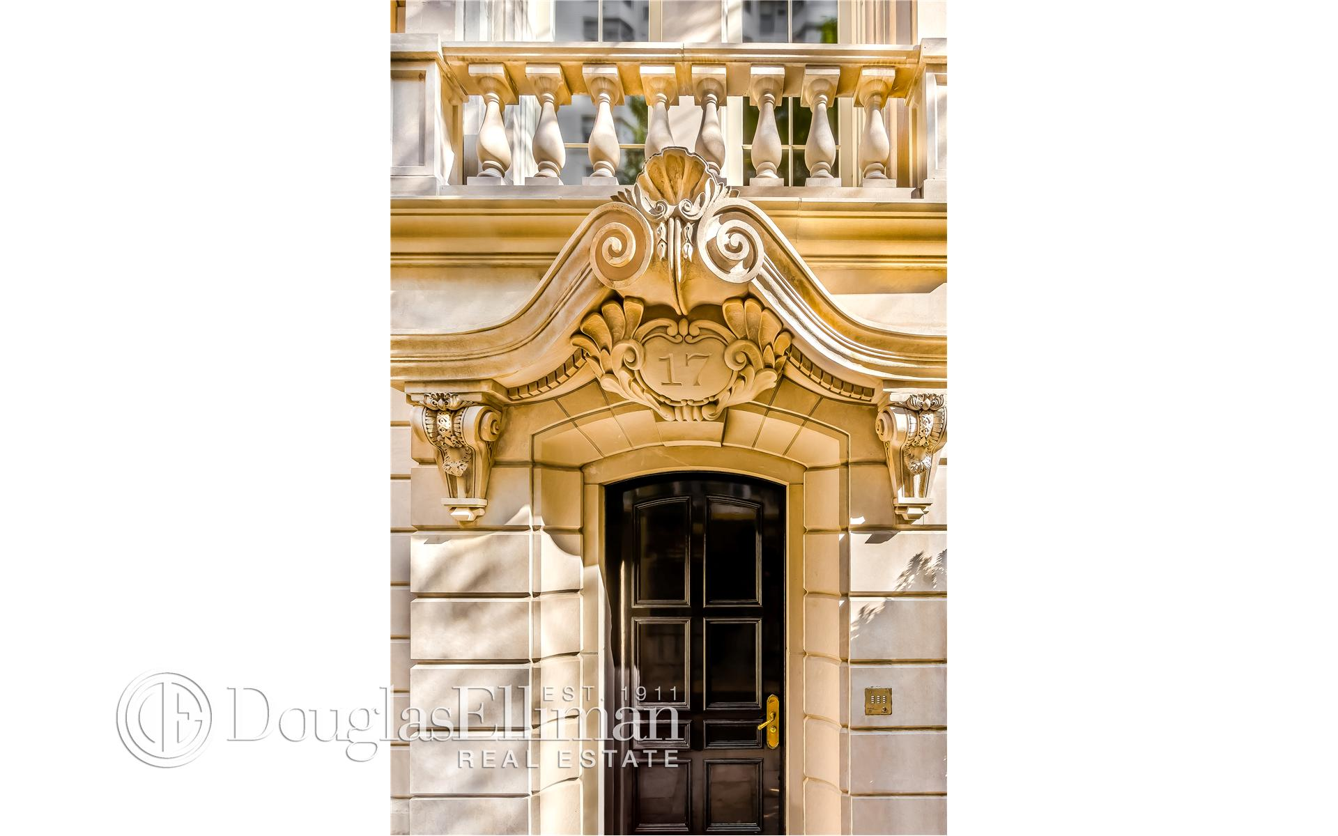 Single Family for Sale at 17 East 83rd Street New York, New York 10128 United States