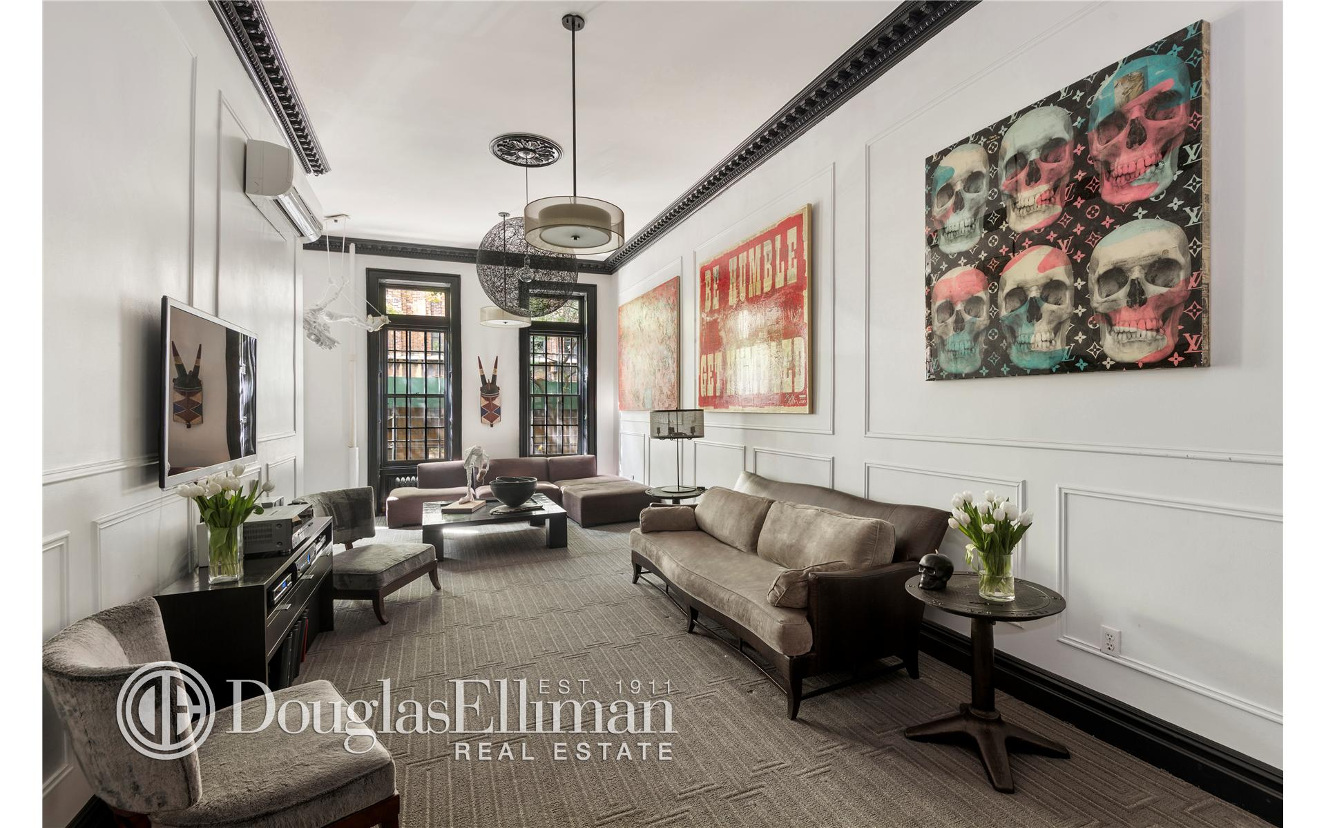 Multi Family for Sale at 161 West 73rd Street New York, New York 10023 United States