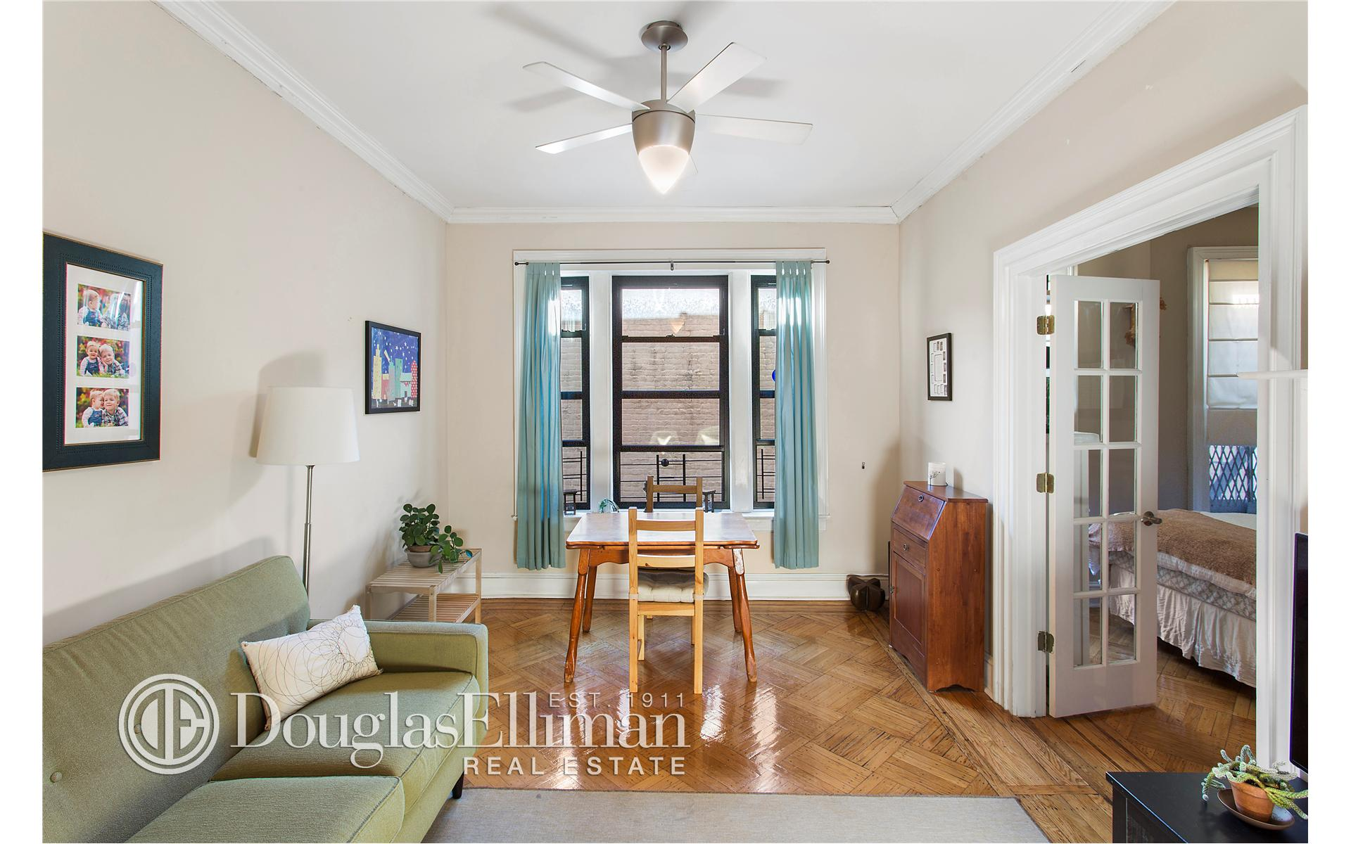 New Windsor (NY) United States  City pictures : ... for Sale at 250 Seeley Street Brooklyn, New York 11218 United States
