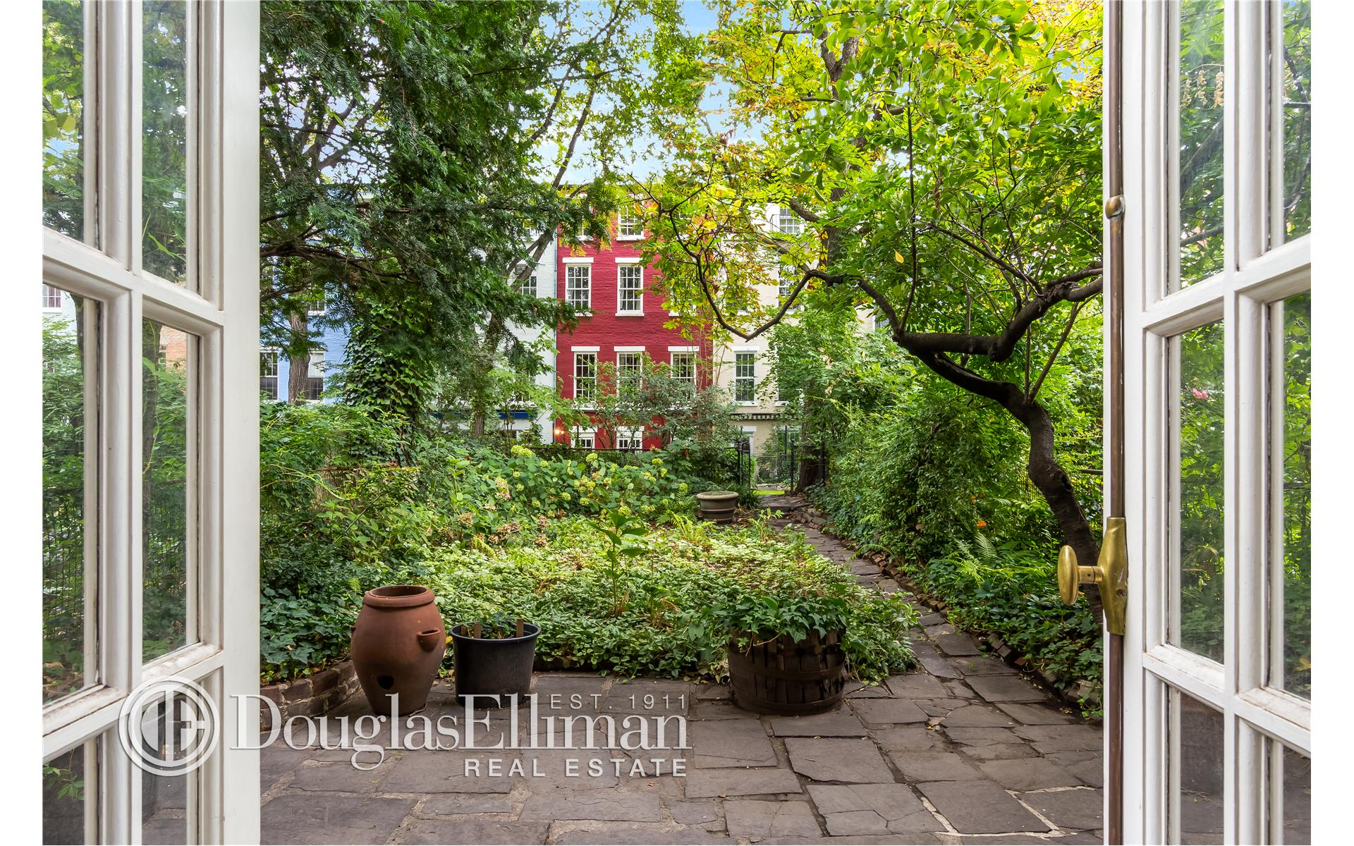 Single Family for Sale at 82 Macdougal Street New York, New York 10012 United States
