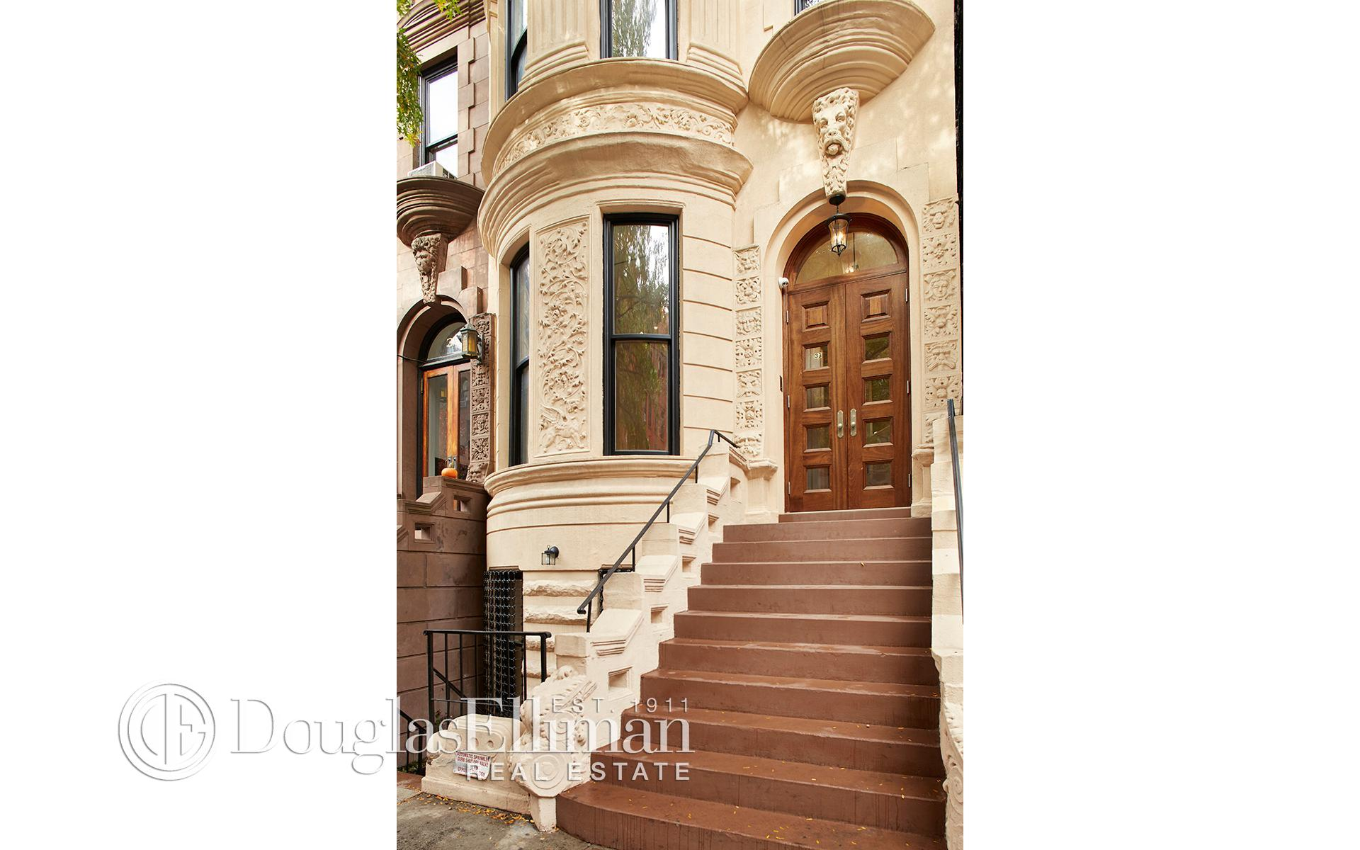 Single Family for Sale at 33 West 71st Street New York, New York 10023 United States