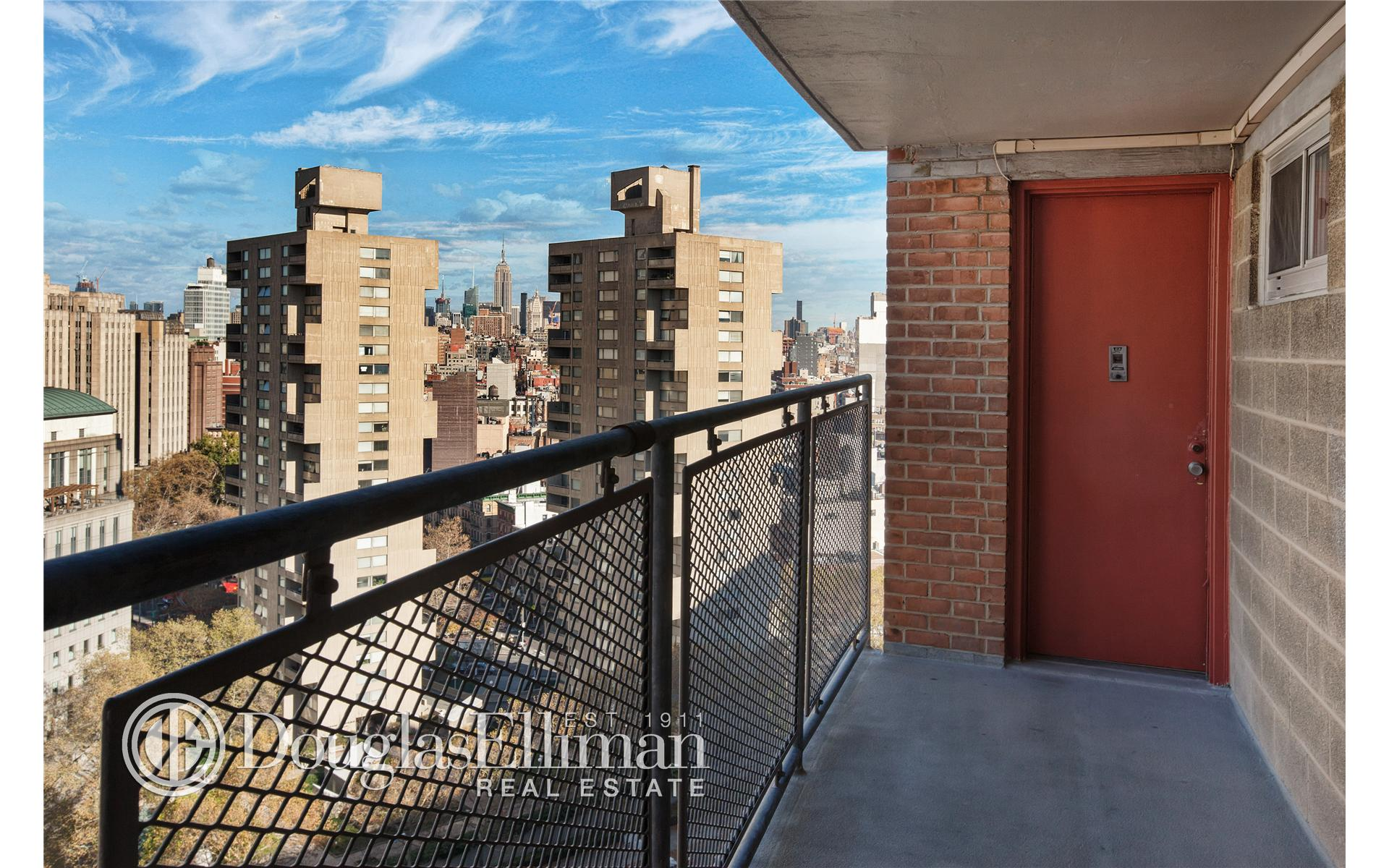 Co-op for Sale at Chatham Green, Chatham Green, 165 Park Row New York, New York 10038 United States