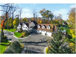 Single Family for Sale at 40 Old House Ln Sands Point, New York 11050 United States