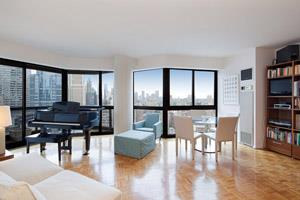 The Savoy, 200 East 61st St, 26B - Upper East Side, New York
