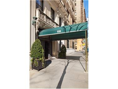 930 Fifth Avenue, 11F - Upper East Side, New York