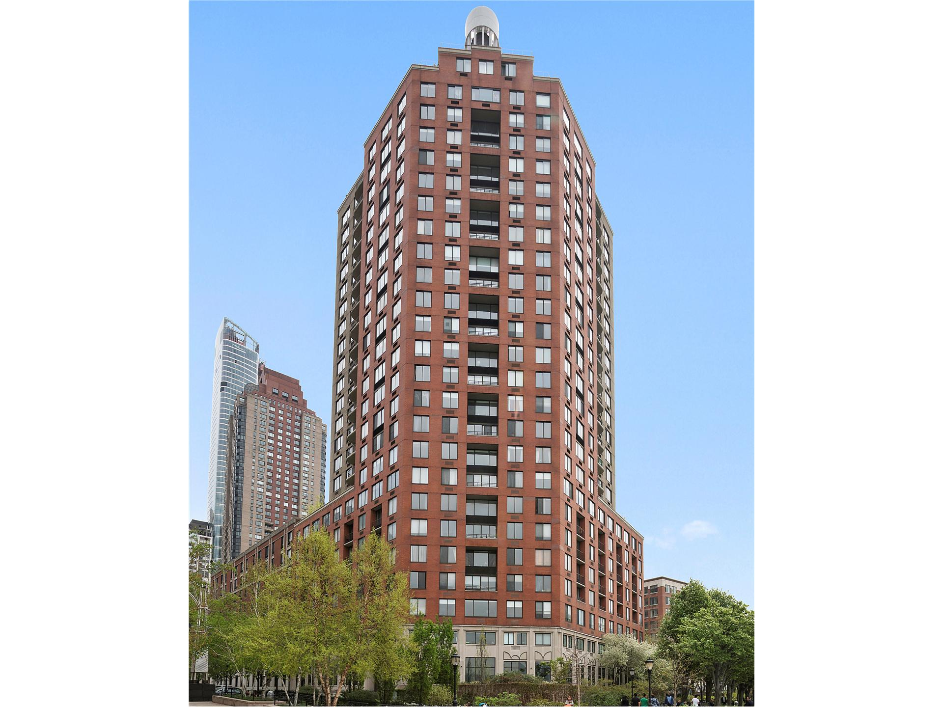 Liberty Residences, 380 Rector Pl, 25F - Battery Park City, New York