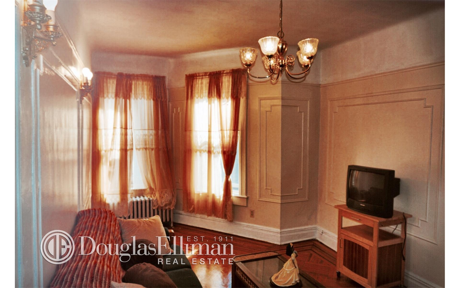 Crown Heights 2 Bedroom Rental At 1187 Lincoln Pl Brooklyn NY 11213 2100