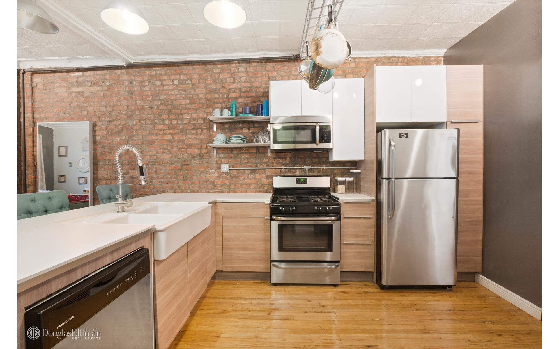 Crown Heights 2 Bedroom Rental At 936 Pacific St Brooklyn NY 11238 1 350