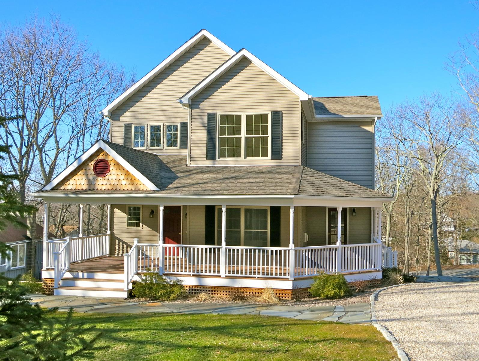 11 Vickers St (6 Downer Place) Sag Harbor Village, New York