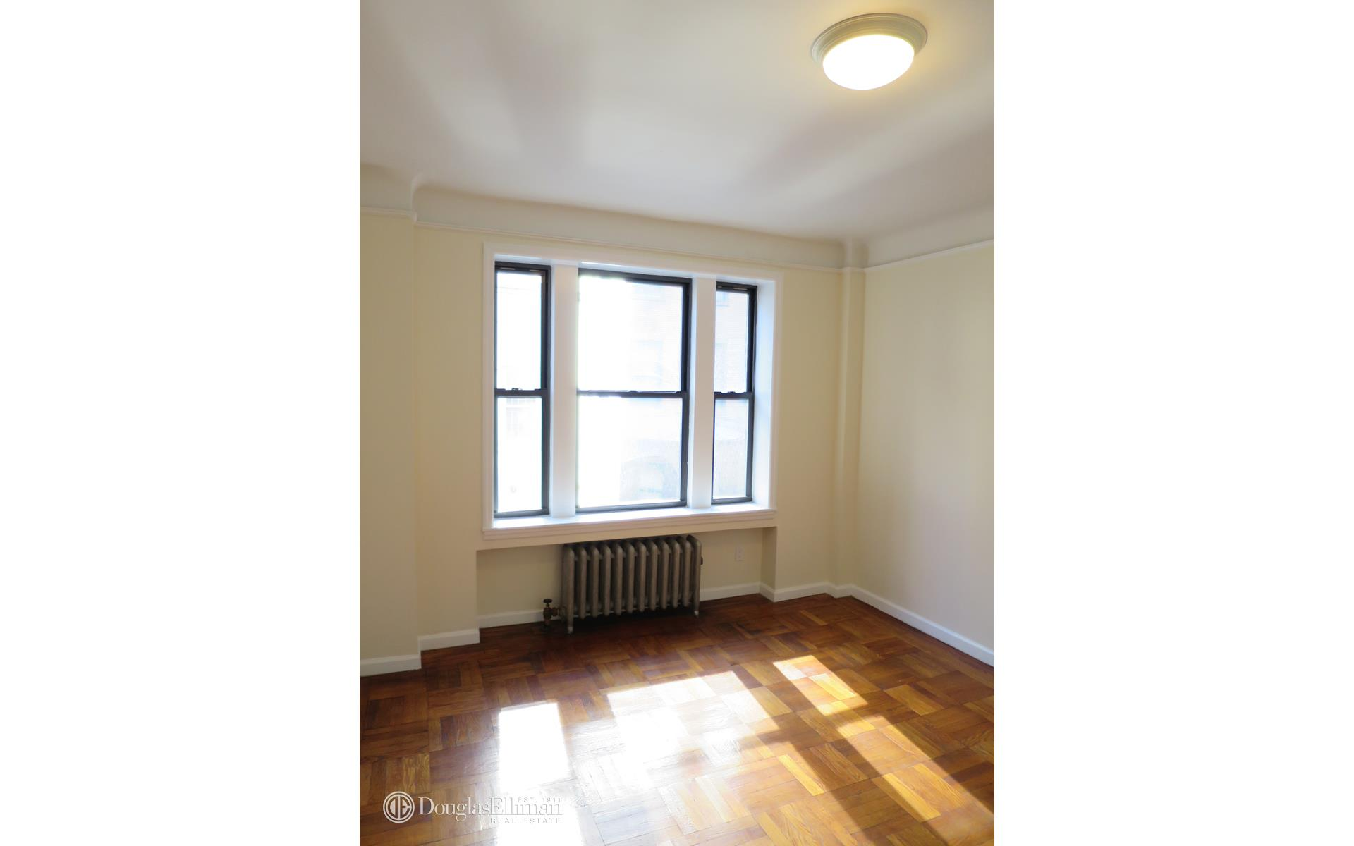 Midtown 2 Bedroom Rental At 55 W 55 St New York NY 10019 4B 4150 Apart