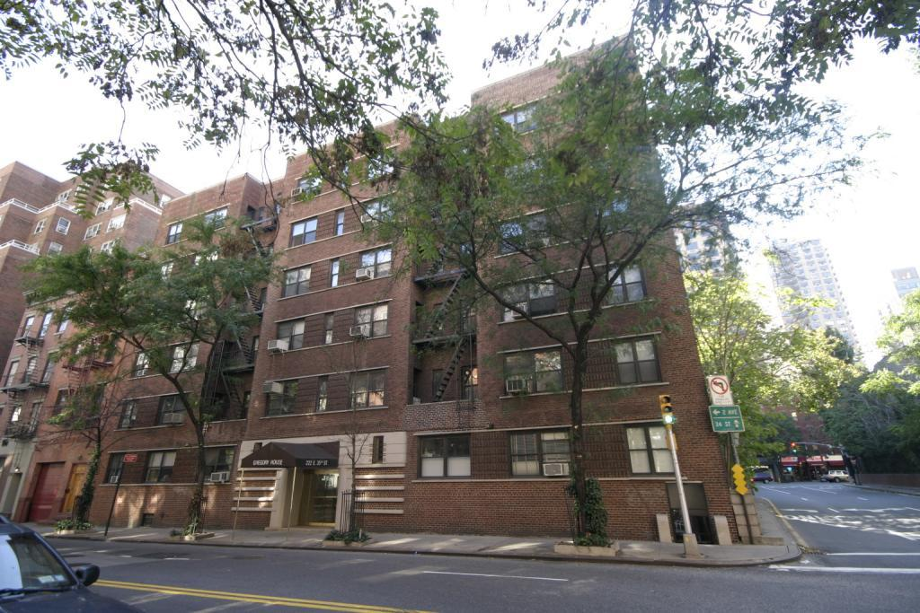 222 East 35th St, 2B - Murray Hill, New York