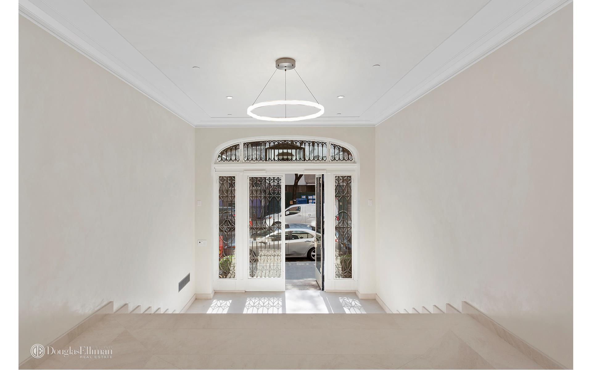33 East 74th Street Interior Photo