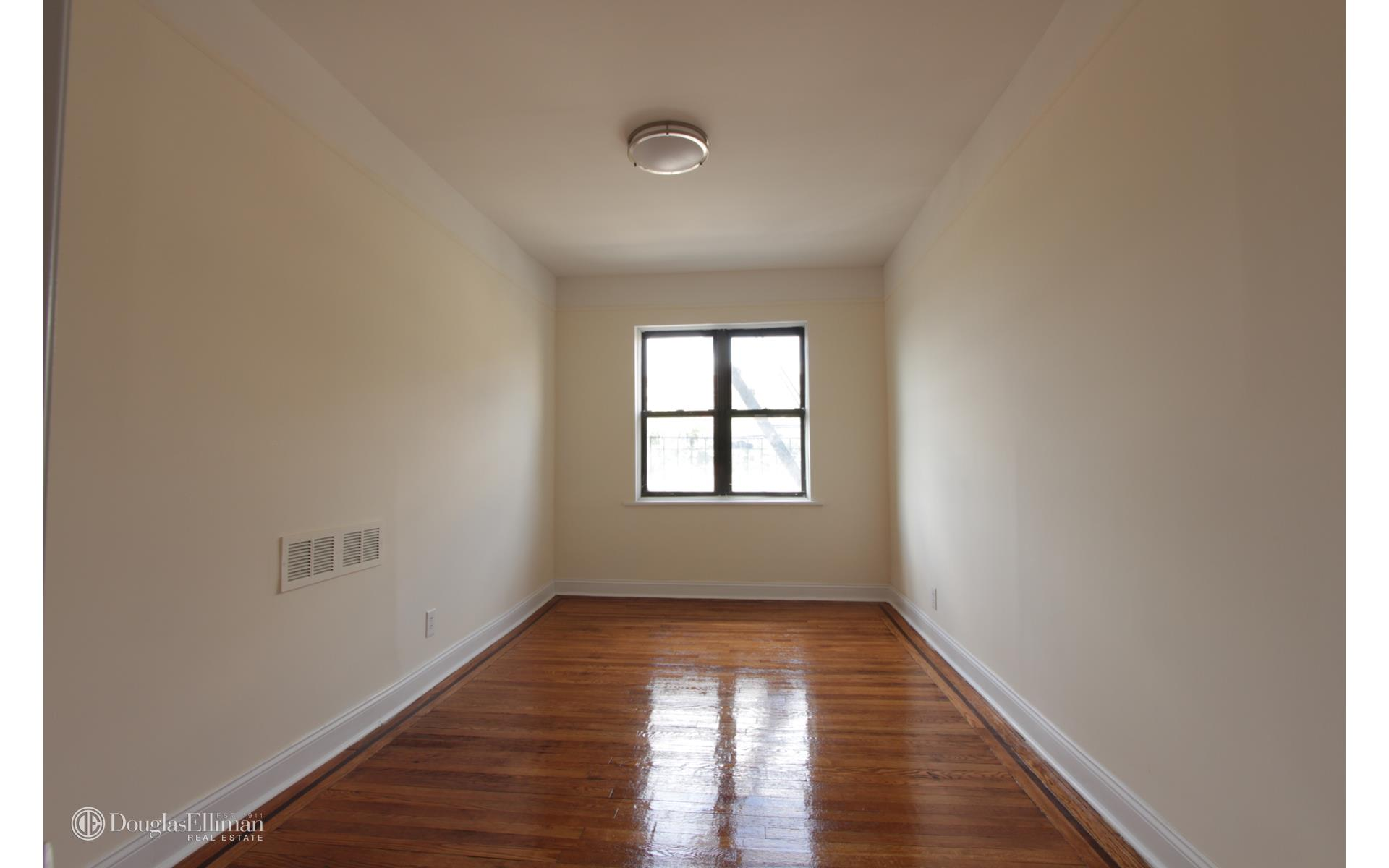 Bay Ridge 1 Bedroom Rental At 130 Bay Ridge Pkwy Brooklyn Ny 11209 4a 1700 Apartable