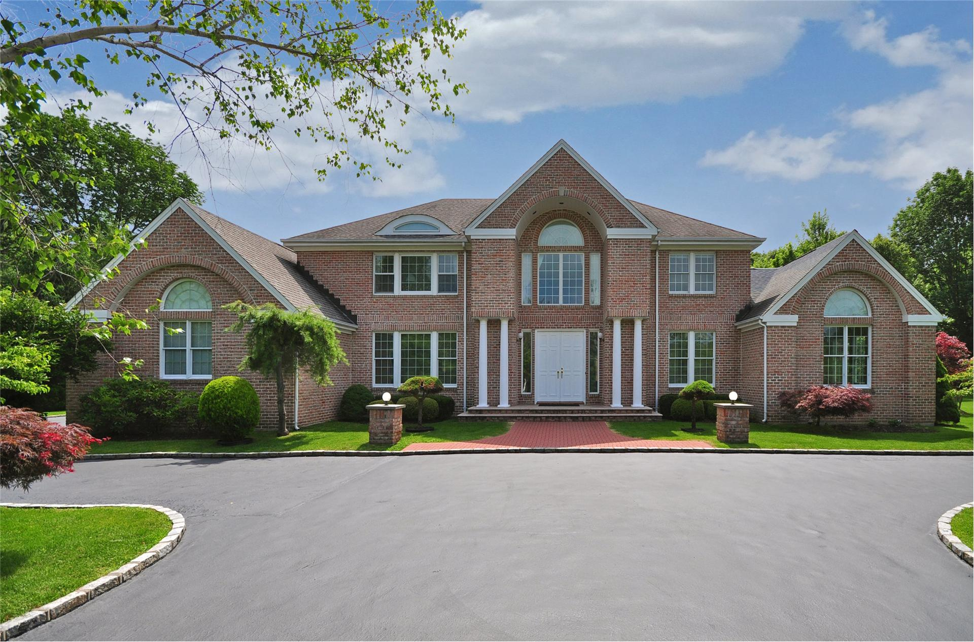 4 Winchester Dr