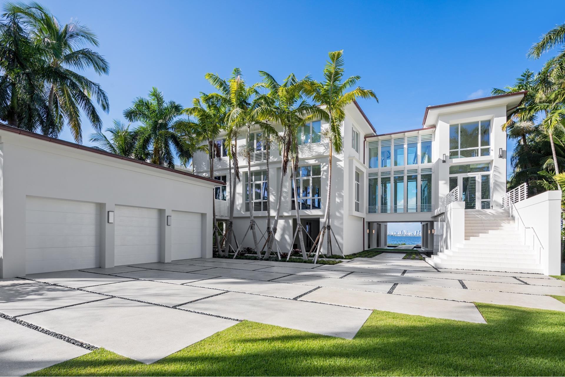 17 Tahiti Beach Island Rd - Coral Gables, Florida