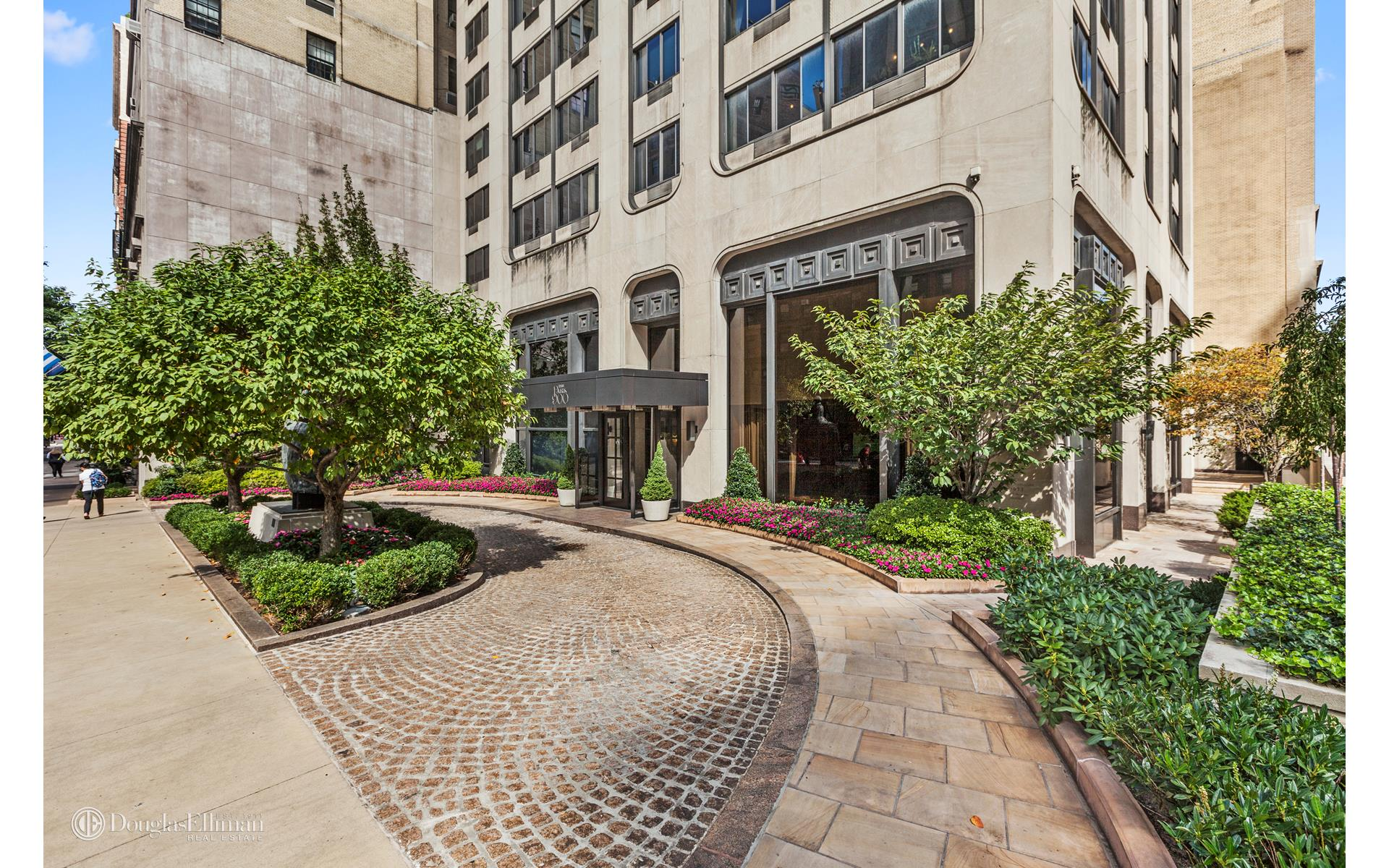 Upper east side 3 bedroom rental at 900 park ave new york for 11 east broadway 13th floor new york ny 10038