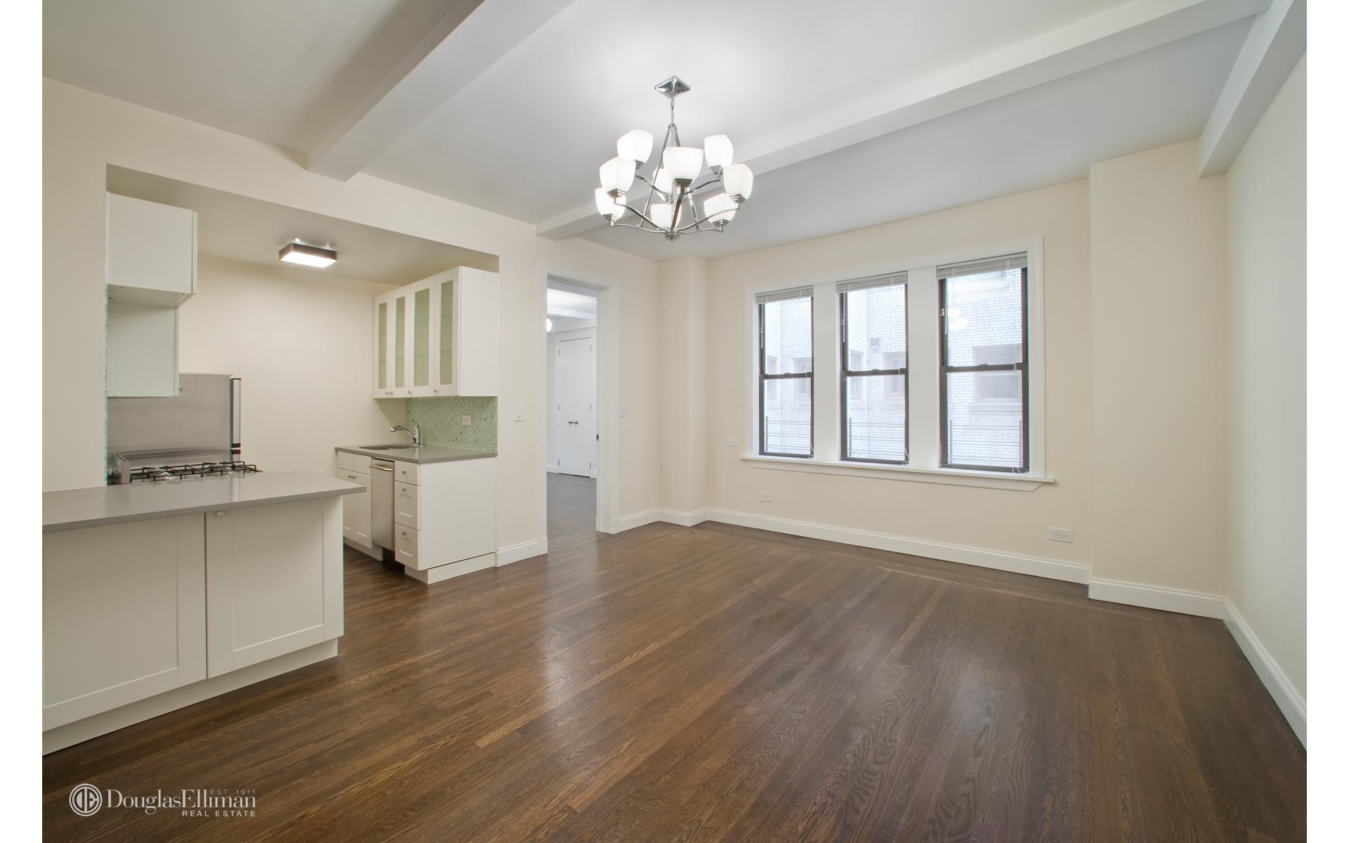 157 E 72 St New York, NY 10021· Upper East Side