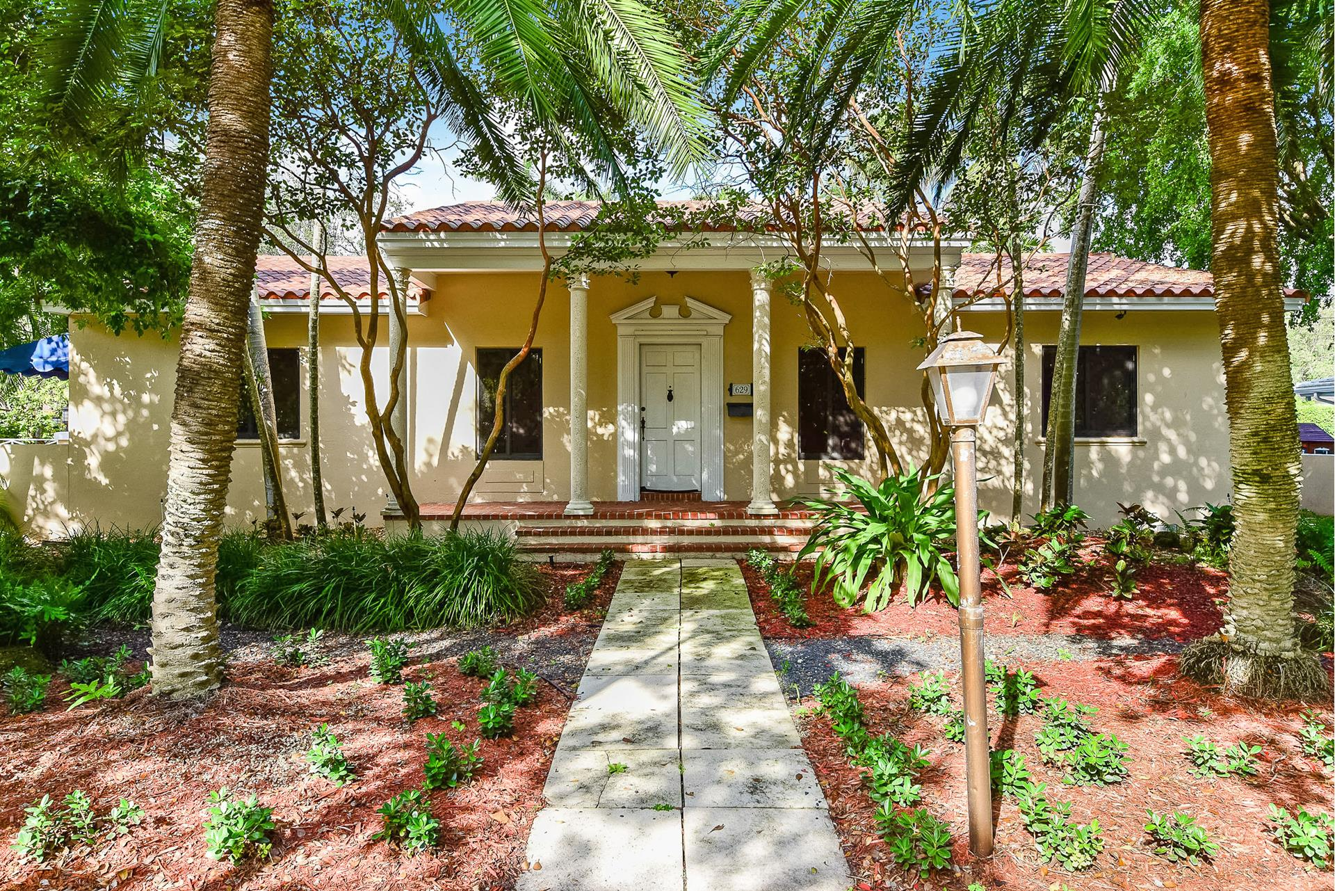 629 Sunset Dr - Coral Gables, Florida