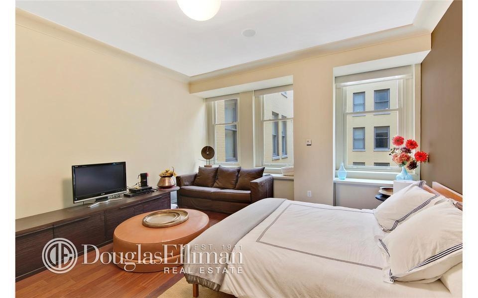 Cipriani Club Residences, 55 Wall St, 703 - Financial District, New York
