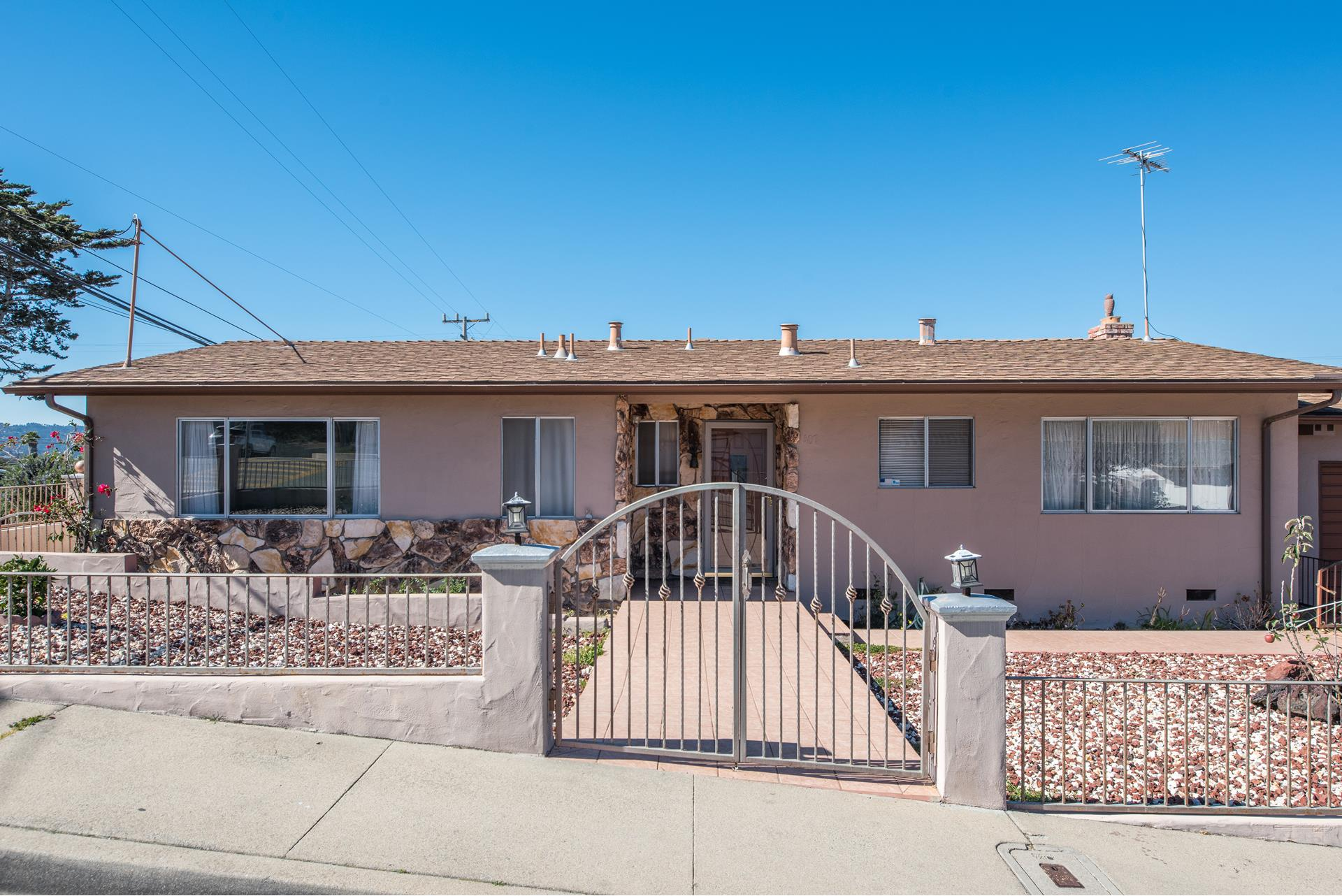 1407 Soto Street - Seaside, California
