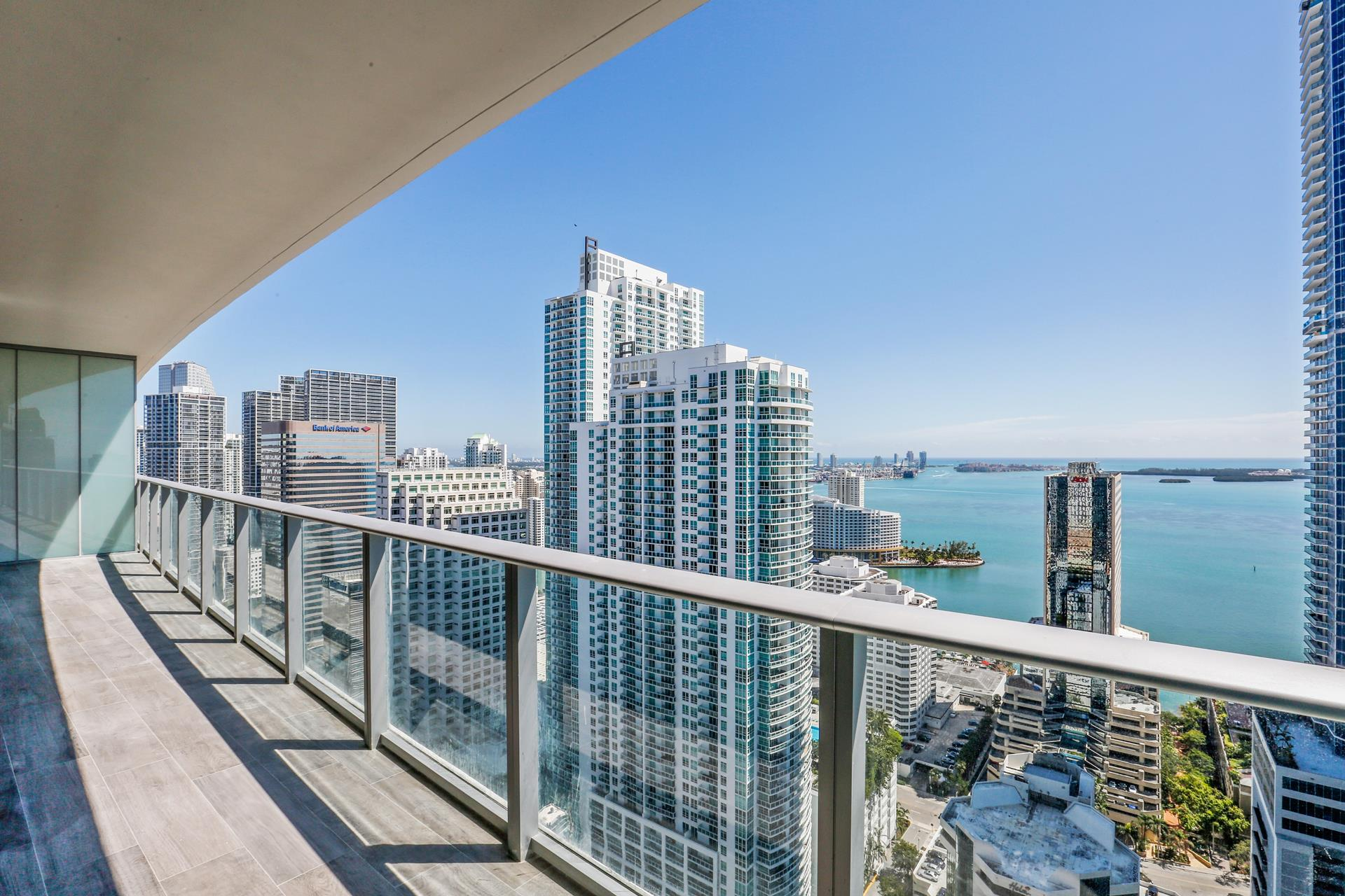 1010 Brickell Ave, 3902 - Miami, Florida