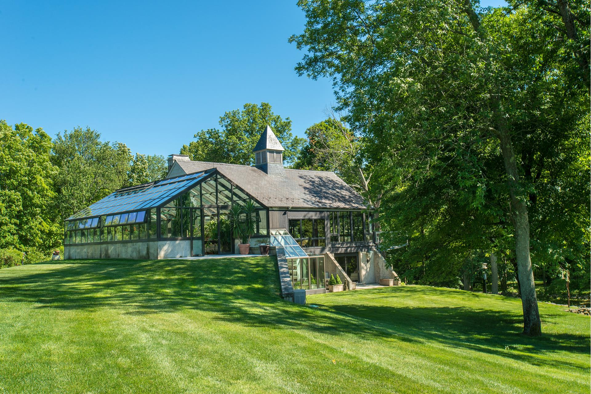 129 Spring Valley Road - Ridgefield, Connecticut
