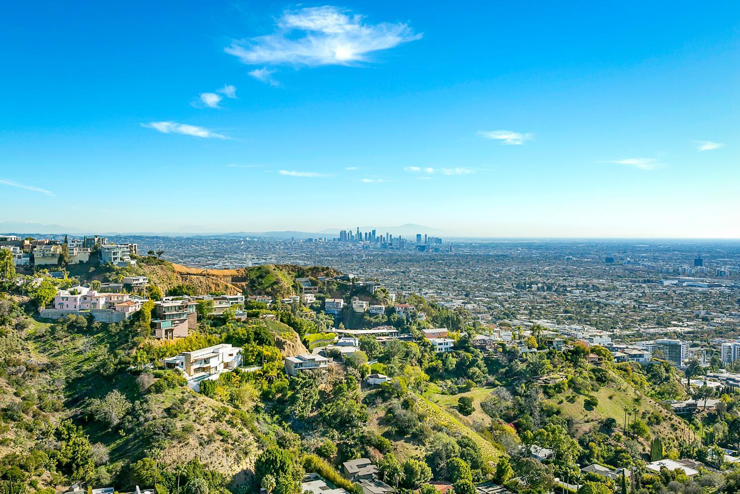 1550 BLUE JAY Way - Sunset Strip / Hollywood Hills West, California