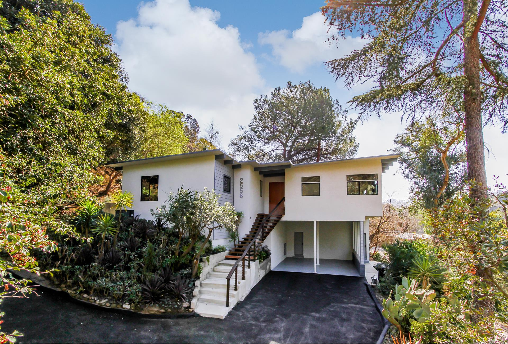 2558 THAMES Place - Sunset Strip / Hollywood Hills West, California