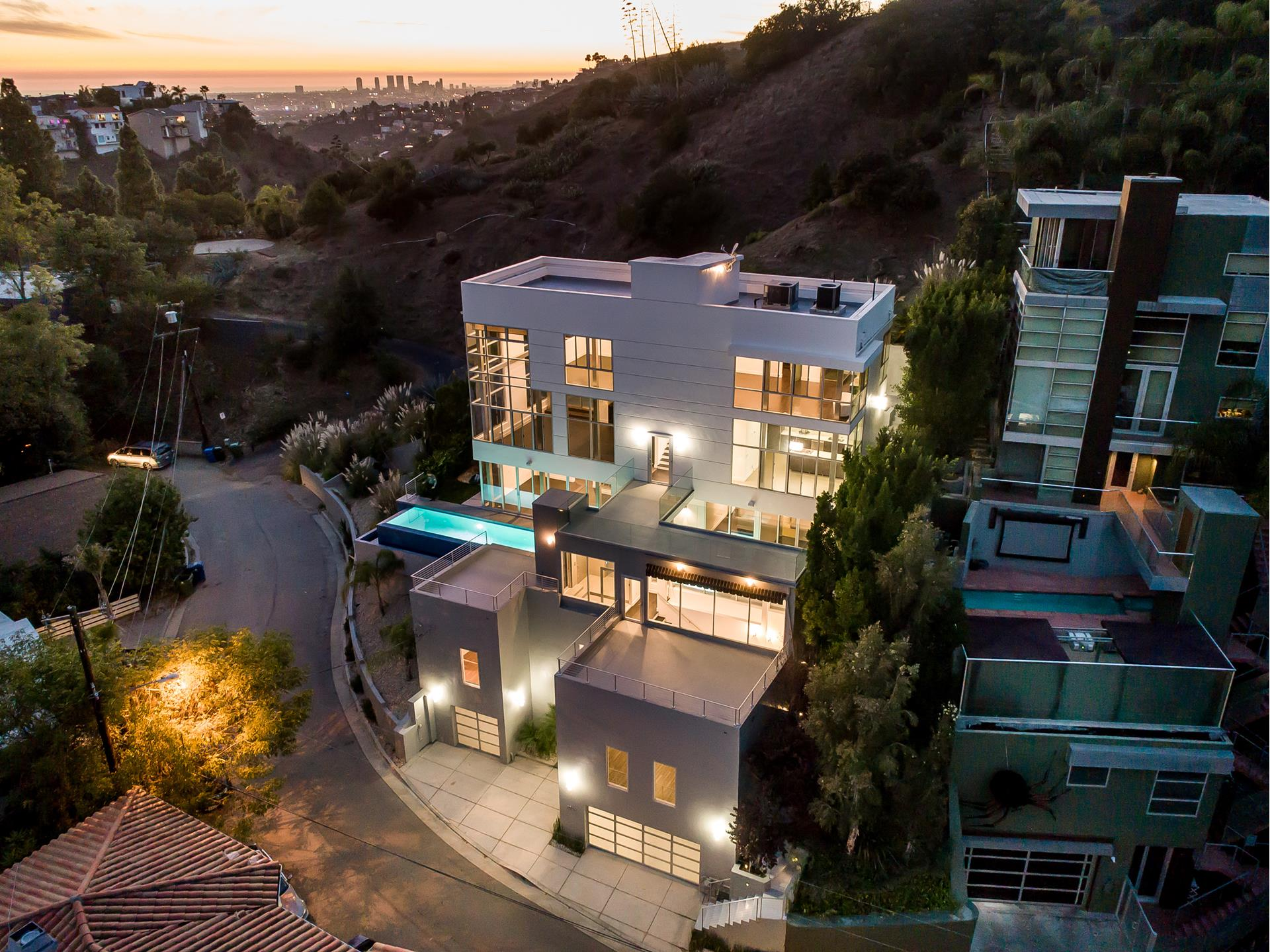 2746 RINCONIA Drive - Hollywood Hills East, California