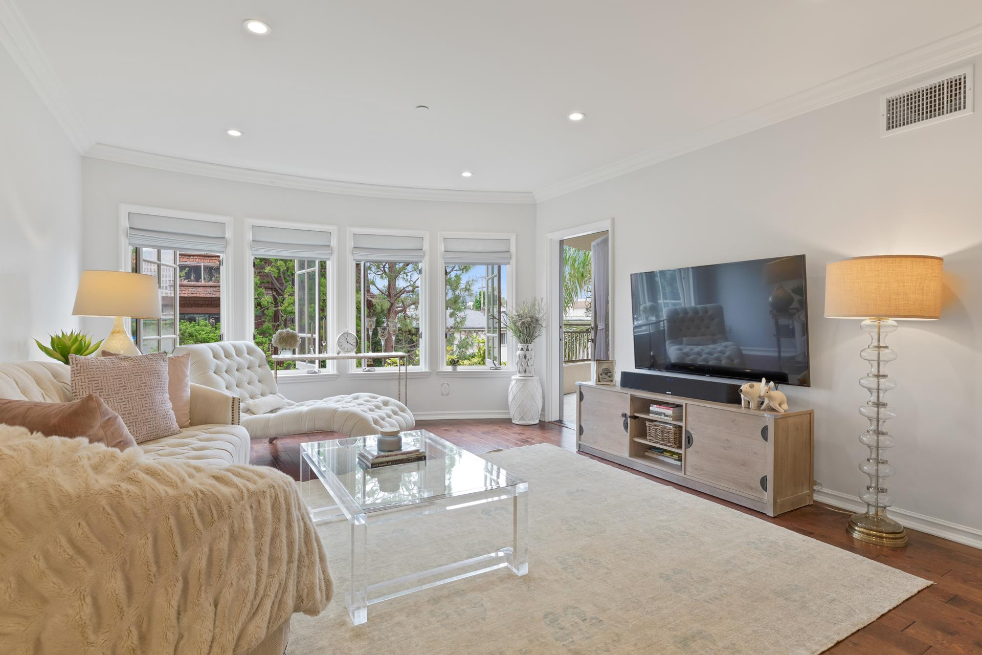 1000 GRANVILLE Avenue, 304 - Brentwood, California