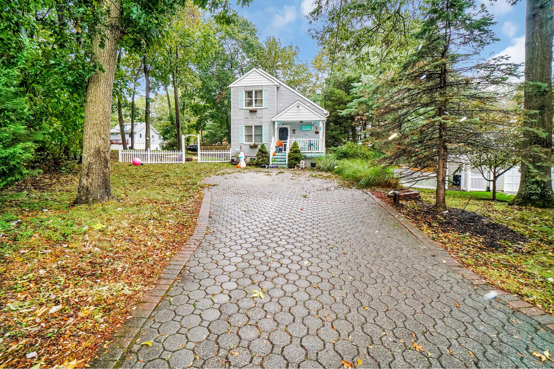 34 Maple Ave - Miller Place, New York