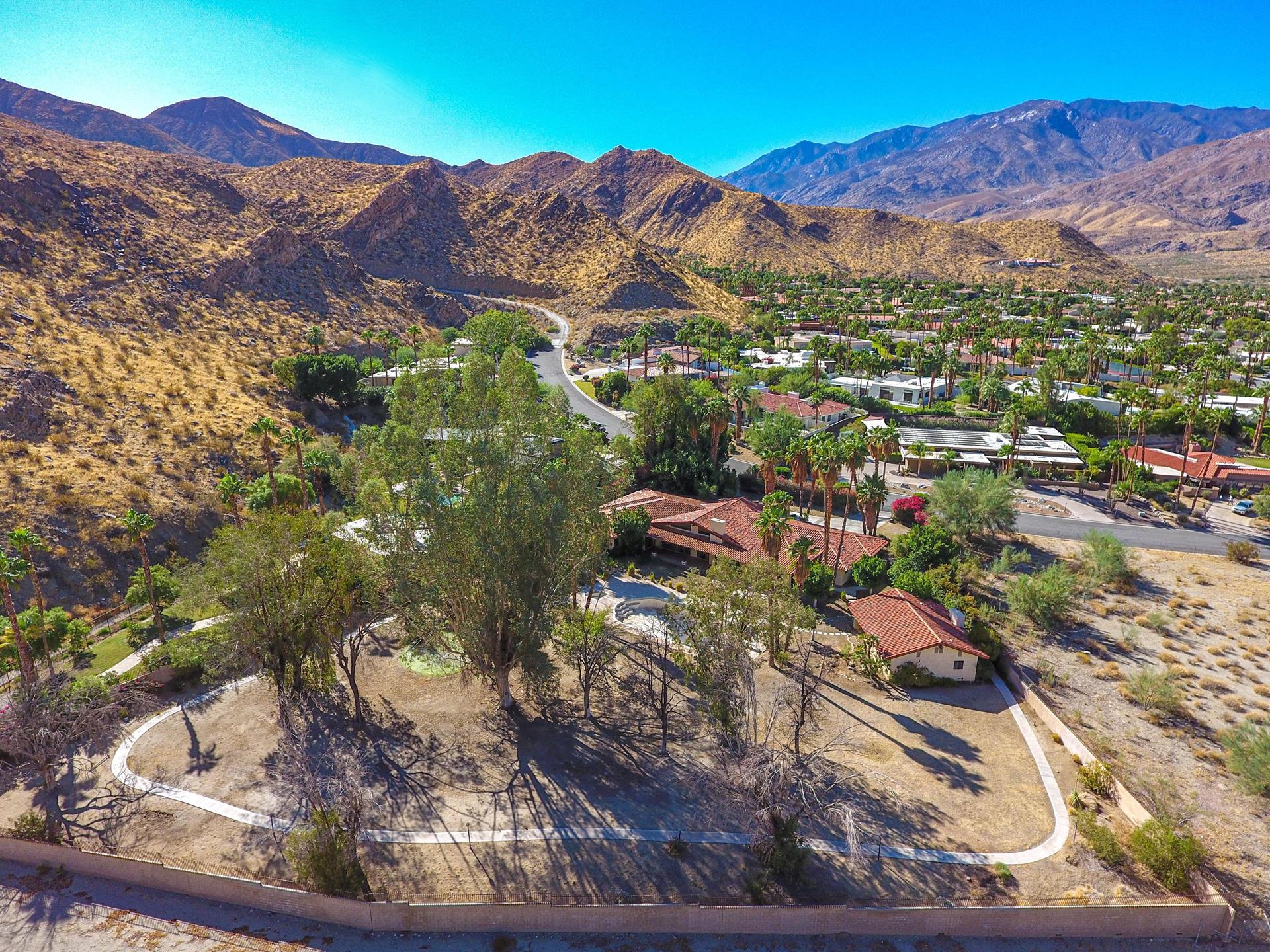 1680 Ridgemore Drive - Palm Springs, California