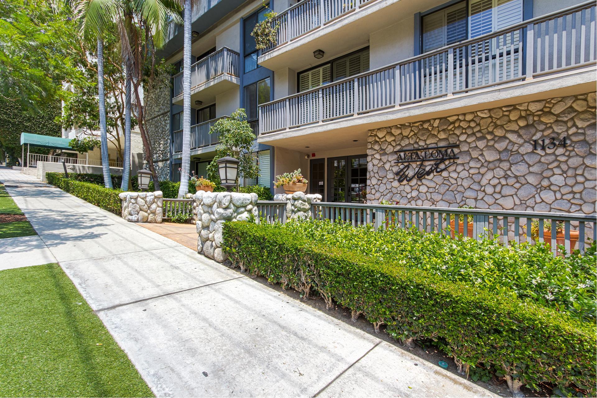 1134 ALTA LOMA Road, 214 - West Hollywood, California