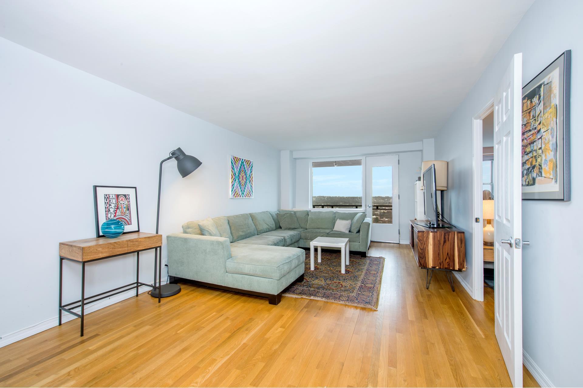 5700 Arlington Avenue, 22C - Riverdale, New York